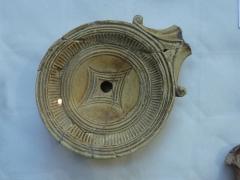Edifice romain dit Horreum -  Horreum (Classé Classé) Lampe à huile