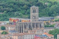 Ancienne cathédrale, actuelle église paroissiale Saint-Fulcran - English:   View of the Saint Fulcran cathedral of Lodève, Hérault, France