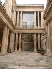 Hôtel de Saint-Côme - Català:  Pati interior de l'Hôtel de Saint-Côme (Montpeller)