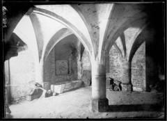 Crypte souterraine sous l'emplacement du Beffroi -