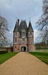 Château de Carrouges -  fr.wikipedia.org/wiki/Ch%C3%A2teau_de_Carrouges