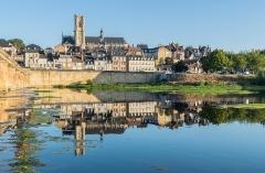 Cathédrale Saint-Cyr et Sainte-Julitte - English:  View of the Saints Quiricus and Julietta cathedral in Nevers, Nièvre, France