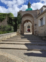 Porte Saint-Jean - Français:   Joigny, Yonne, Bourgogne, France