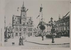 Hôtel de ville - Français:   lors des Grandes maoeuvrves de l\'est de 1901. BM Reims cote CPA t4. Publication de 1901 en cartes postales.