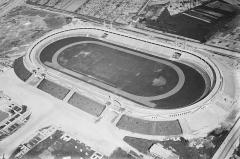 Stade municipal dit stade Gerland -  Aerial view of Lyon\'s Stade de Gerland, circa 1920s. Negative on glass plate, 18 × 24 cm, Lyon\'s city archive.