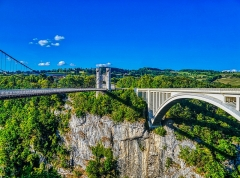 Pont suspendu de la Caille (également sur commune de Cruseilles) - Deutsch:  Caille- & Caquot-Brücken, Allonzier-la-Caille, Département Ober-Savoyen, Region Auvergne-Rhône-Alpes (ehemals Rhône-Alpes), Frankreich