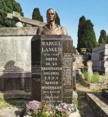 Entrée du cimetière de Terre-Cabade - English:   Terre-Cabade cemetery in Toulouse -  Monument to Marcel Langer