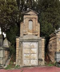 Entrée du cimetière de Terre-Cabade - English:   Terre-Cabade cemetery in Toulouse - Virebent family cellar (Auguste; Gaston; Pascale and Raymond).
