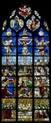 Eglise Sainte-Jeanne-d'Arc - Français:   Verrière de la Crucifixion, 1520-1530. Vitrail de l\'église Saint-Vincent, déposé et remonté dans l\'église Sainte-Jeanne d\'Arc de Rouen.