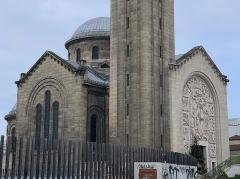 Eglise du Sacré-Coeur, ancienne chapelle de la cité universitaire - Français:   Église du Sacré-Cœur de Gentilly.
