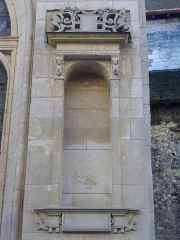 Eglise Saint-Jean - Français:   Église Saint-Jean-du-Marché de Troyes (Aube, France): crédence du flanc nord-ouest, rue Molé