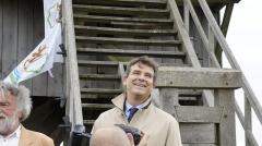 Moulin de Valmy - Français:   A. Montebourg et un animateur du moulin de Valmy lors de sa campagne  lanouvelleFrance pour être le candidat de son parti en 2012