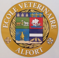 Ecole nationale vétérinaire - English:   a sticker on a car, showing the coat of arms of the