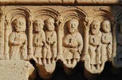 Prieuré - Français:   France - Alpes-de-Haute-Provence - Abbaye Notre-Dame de Ganagobie - Portail: apôtres