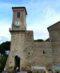 Tour du Suquet, chapelle Sainte-Anne et église Notre-Dame-de-l'Espérance -  Cannes - Notre-Dame d\'Espérance