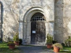 Eglise Notre-Dame de l'Assomption - Français:   Le portail de l\'église Notre-Dame-de-l\'Assomption, Bourg-du-Bost, Dordogne, France.