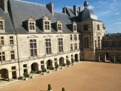 Château - This building is indexed in the base Mérimée, a database of architectural heritage maintained by the French Ministry of Culture,under the reference PA00082575 .