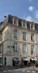 Immeuble - Français:   Immeuble (Inscrit); 7 Place Bir Hakeim, Bordeaux