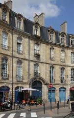 Immeuble - Français:   Immeuble (Inscrit), 10 et 11 Place Bir Hakeim,  Bordeaux