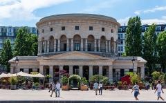 Ancienne barrière d'octroi de la Villette ou rotonde de la Villette - Français:   Un lieu de rencontres, de mélanges des styles, de découvertes culinaires, d\'échanges artistiques et culturels en tous genres!