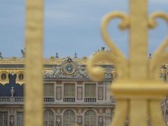 Domaine national de Versailles - Français:   Horloge à masque d\'Apollon, Château de Versailles.