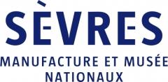 Domaine national de Saint-Cloud : ancienne école nationale de céramique - Français:   Logotype de Sèvres - Manufacture et Musée nationaux.