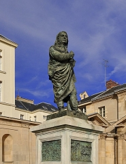 Ancienne abbaye du Val-de-Grâce, puis hôpital militaire - English:   Statue of Dominique Larray in the churchyard of the church of Val-de-Grâce in the 5th arrondissement of Paris in France.