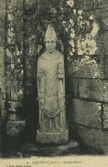 Eglise Saint-Pierre -  Skulptur des Apostels Petrus in der Kirche St-Pierre in Caulnes