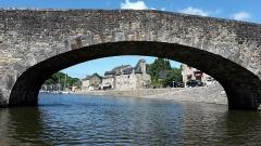 Vieux pont - Français:   Pont sur la Rance entre Dinan et Lanvallay, dans le prolongement de la rue du Petit Fort (Côtes d'Armor, Bretagne, France)