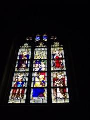 Eglise Notre-Dame-du-Roncier - Français:   Basilique Notre-Dame-du-Roncier de Josselin (Morbihan, France): vitrail de saints