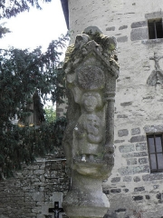 Eglise Sainte-Croix - Français:   Calvaire de la chapelle Sainte-Croix sise à Josselin (56). Face nord. Saint-Jean-Baptiste.