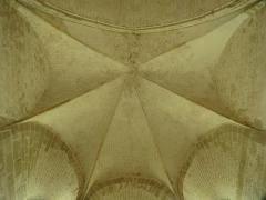 Ancien prieuré grandmontain de Fontblanche - Deutsch:   Grandmontine Priory Fontblanche, comm. Genouilly, Département Cher, France, interior of the church, vault above choir