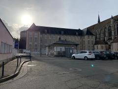 Ancien couvent des Cordeliers, actuellement lycée Marceau - Français:   Ancienne abbaye Saint-Père-en-Vallée, Chartres.
