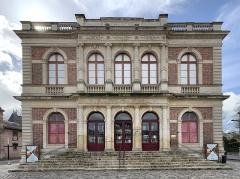Théâtre municipal - Français:   Théâtre de Chartres.