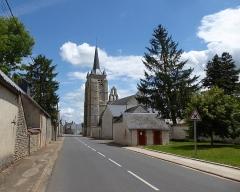 Eglise Saint-Pierre - Français:   Église Saint-Pierre, rue du Dix-Sept-Août (1944), Cormainville, Eure-et-Loir, France.