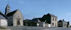 Eglise Saint-Martin de Vertou - Français:   La place de Lublé et son église