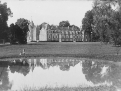 Château de Renay - Français:   La photographie a été publiée dans l'Illustration du 15 février 1905