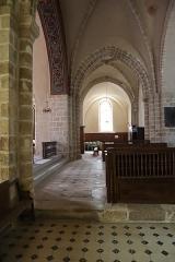 Eglise Notre-Dame - Français:   Intérieur de l'église Notre-Dame de Bellegarde (45). Transept.