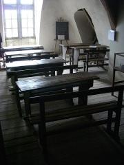Château de la Ferté - Français:   Château de La Ferté-Saint-Aubin (Loiret, France): espace muséal du grenier, l'école