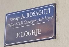 Citadelle et palais du Gouverneur, partiellement aménagé en Musée d'Ethnographie - Français:   Nom corse et nom français du passage Antoine Rosaguti, E Loghje, à la citadelle de Bastia