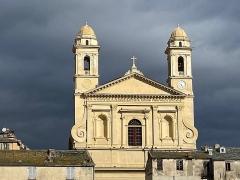 Eglise Saint-Jean-Baptiste - Français:   La façade et les clochers de l'église Saint-Jean-Baptiste de Bastia, San Ghjuvà