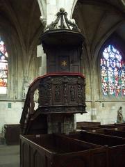Eglise Notre-Dame-des-Arts - Français:   Chaire du XVIIe siècle portant le monogramme A.R.B., monogramme de l\'abbaye royale de Bonport.