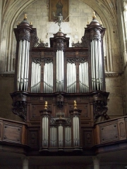 Eglise Notre-Dame-des-Arts - Français:   Orgue construit de 1608 à 1614 par Jean Oury sous la conduite du facteur Crespin Carlier, reconstruit dans l\'ancien buffet Louis XIII par les frères Stolz en 1893.