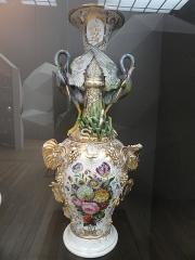 Musée national Adrien Dubouché et Ecole des Arts Décoratifs -  limoges_porcelain_museum_adrien_dubouche_berthout_valin_hero_vase_1855