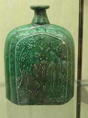 Musée national Adrien Dubouché et Ecole des Arts Décoratifs -  limoges_porcelain_museum_adrien_dubouche_bottle_ispahan_17th