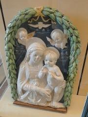 Musée national Adrien Dubouché et Ecole des Arts Décoratifs -  limoges_porcelain_museum_adrien_dubouche_madonna_della_robbia_florence_1490