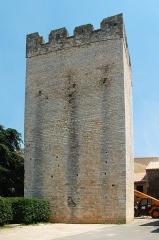 Remparts - Français:   France - Gard - Saint-Laurent-des-Arbres - Remparts - Tour de Ribas