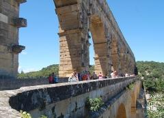 Pont du Gard et aqueduc romain de Nîmes - Dansk:   Pont du Gard - summer 2011