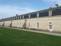 Corderie de l'Arsenal - Français:   Corderie de l'Arsenal: manufacture royale de cordages construite de 1666 à 1670 sur l'ordre de Louis XIV.