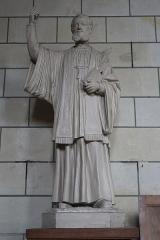 Eglise Saint-Pierre - Français:   Statue de Saint-Jean-Charles-Cornay en l'église Saint-Pierre du marché à Loudun (86).